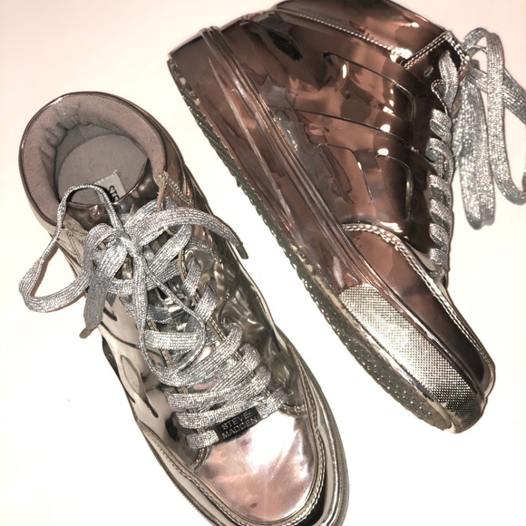 ✨Steve Madden✨ Metallic Silver Shoes